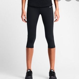 Nike Epic Luxe cropped leggings size S